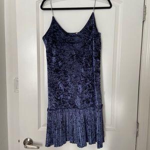 Crushed velvet blue dress